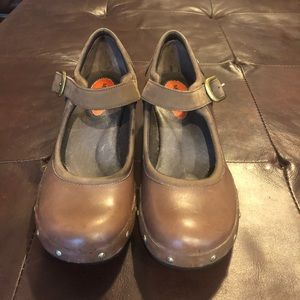 Merrell pre-owned size 8.5